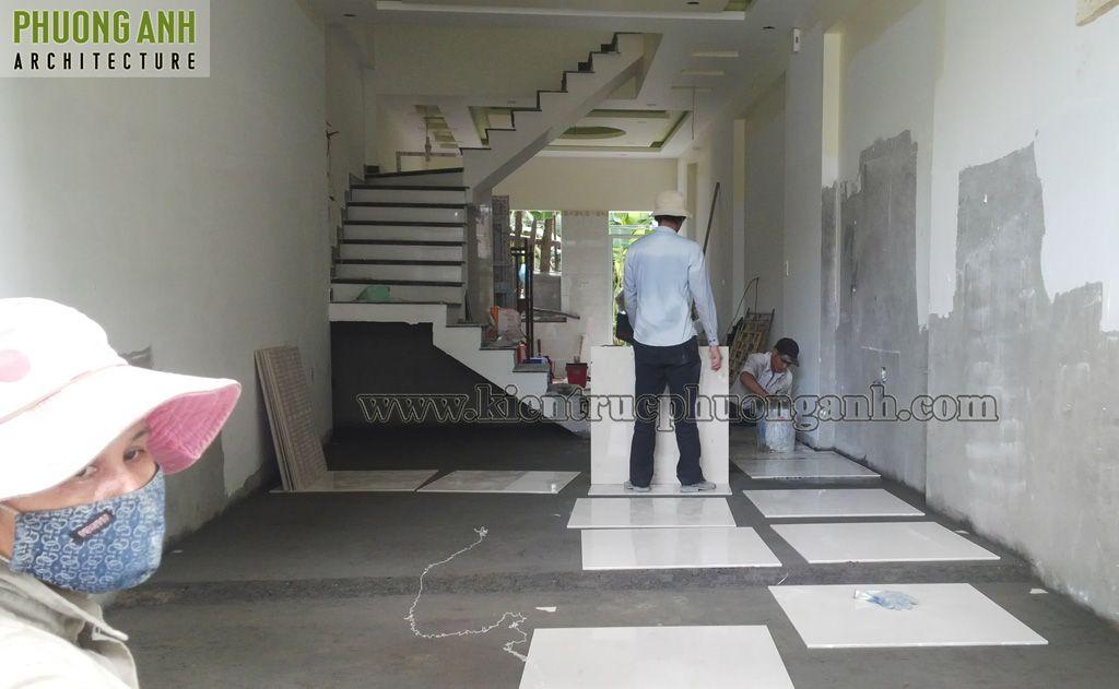 Lát nền tầng 1 hoàn thiện nhà ống 3 tầng